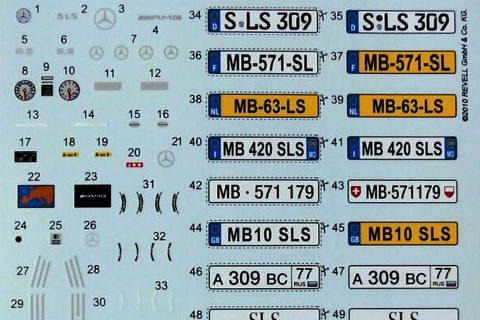 Decalbogen des Revell Mercedes SLS AMG Plastikbausatzes