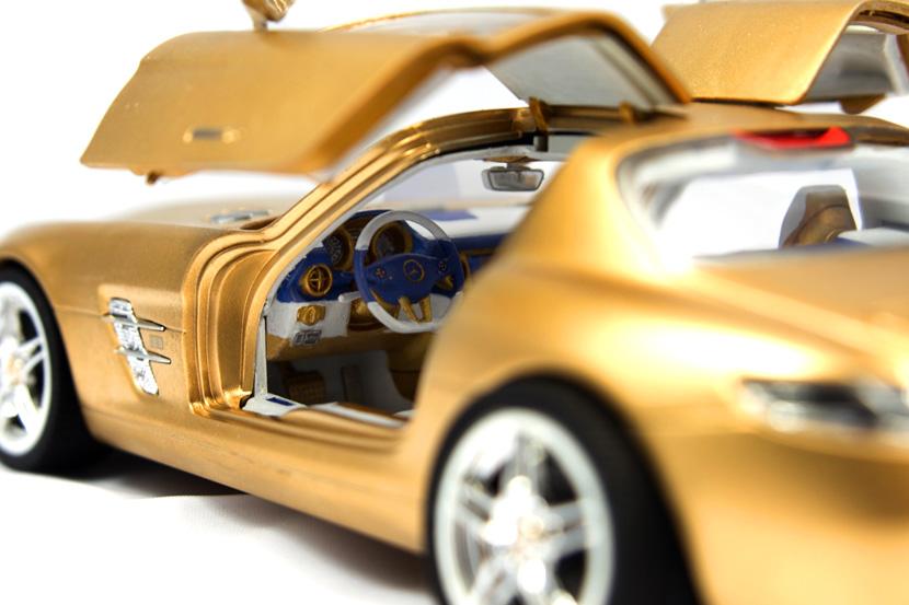 Revell Mercedes SLS - Bausatz 07100 - Baubericht auf modellbautest.de