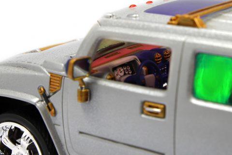 Detailaufnahme des Innenraums des Revell Hummer H2 im Maßstab 1:25