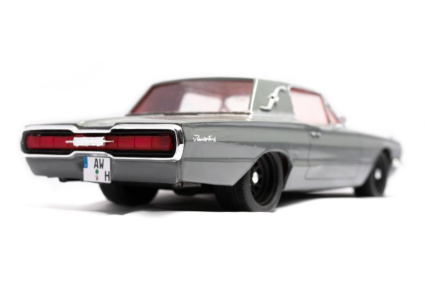 Hasegawa Ford Thunderbird 1966 - Bausatz 21025 - Baubericht auf modellbautest.de