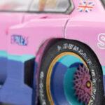 Detailaufnahme eines Modellautos mit mattem Lack