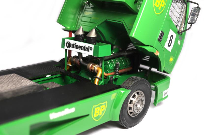 Revell Renntruck Mercedes 1450 LS - Bausatz 7536 - Baubericht auf modellbautest.de