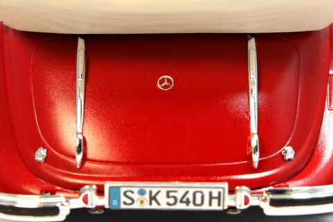 Decal-Eigenbau am Italeri Mercedes 540K Plastikbausatz